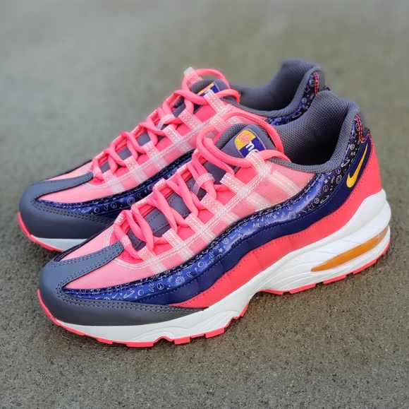 Obsesión Th Sumamente elegante  Nike Shoes   Nike Air Max 95 Se Premium Pink White Womens Shoe   Poshmark